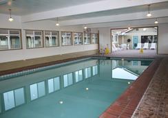 El Castell Motel - Monterey - Pool
