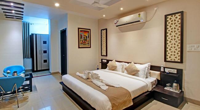 Hotel Nawalgarh Plaza - Nawalgarh - Bedroom
