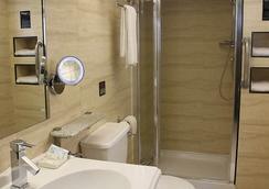 Eurotraveller Hotel- Express (Elephant & Castle) - London - Bathroom