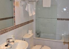 Hostal La Andaluza - San Fernando - Bathroom