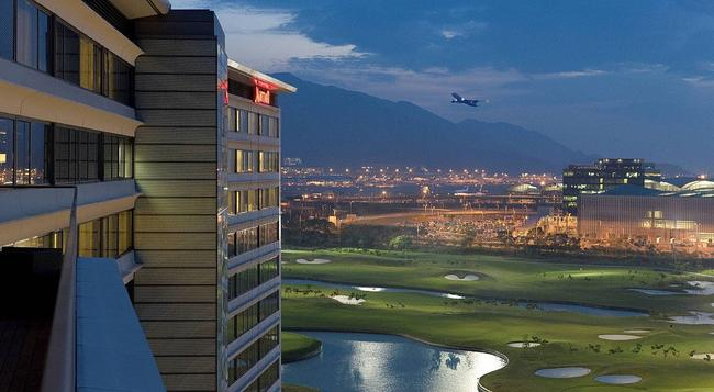 Hong Kong SkyCity Marriott Hotel - Hong Kong - Building