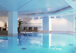 Swissôtel Düsseldorf-Neuss - Neuss - Pool