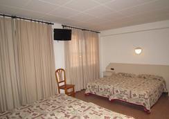 Hotel Medes II - L'Estartit - Bedroom