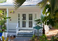 Paradise Inn Key West-Adults Only - Key West - Building