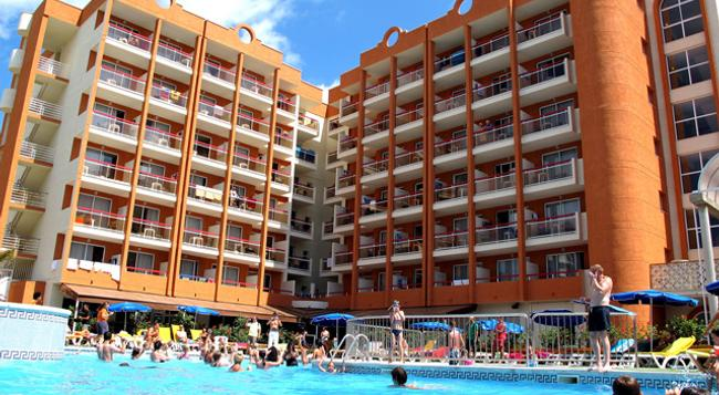Ohtels Belvedere - Salou - Pool