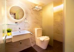 Hotel Nuve - Singapore - Bathroom