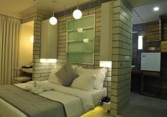 Hotel El Dorado - Ahmedabad - Bedroom