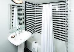 Hotel RL Washington DC by Red Lion - Washington - Bathroom