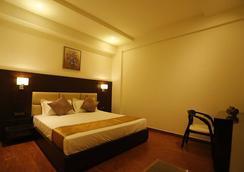 G Hotel - Agra - Bedroom