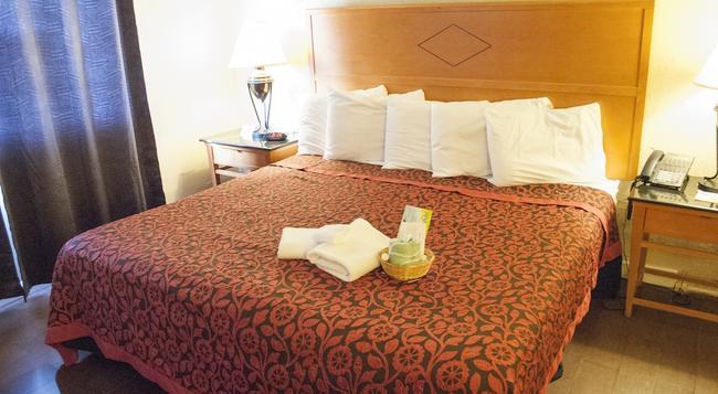 Days Inn Seaside Heights/Toms River - Seaside Heights - Bedroom