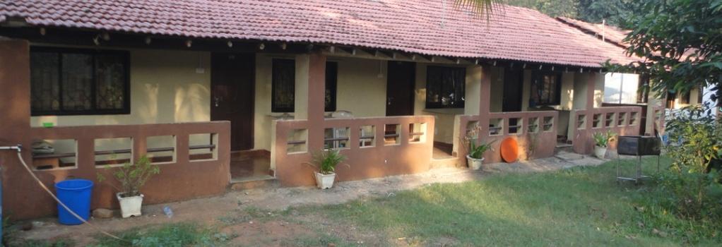 Raikar Guest House - Bogmalo - Building