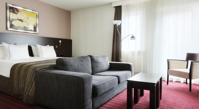 Hampshire Hotel - Oranje Leeuwarden - Leeuwarden - Bedroom