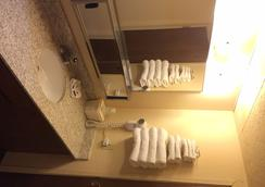 Budget Motel - Delta - Bathroom