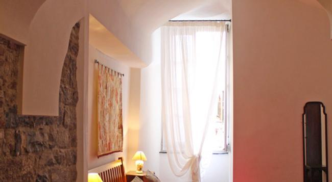 La Torre dei Conti Cepollini - Albenga - Bedroom