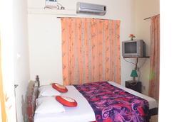 Coconut Creek Farm & Home Stay - Kumarakom - Bedroom