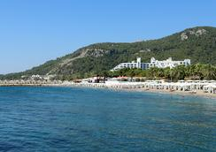Rixos Sungate - Antalya - Beach