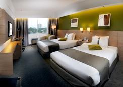 Grand Margherita Hotel - Kuching - Bedroom