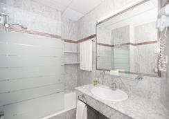 Hotel América Sevilla - Sevilla - Bathroom