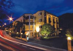 Hotel Santoni - Torbole - Outdoor view