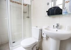 Le Monclair Montmartre By Hiphophostels - Paris - Bathroom