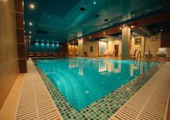 Club Royal Park - Chisinau - Pool