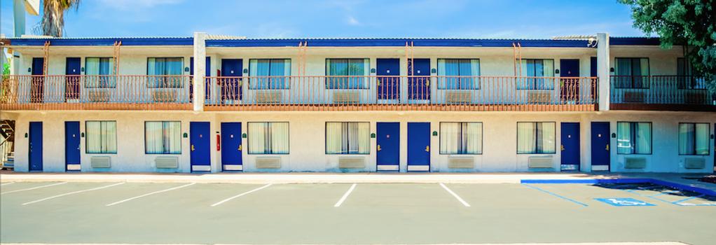 The Buena Park Hotel & Suites - Buena Park - Building