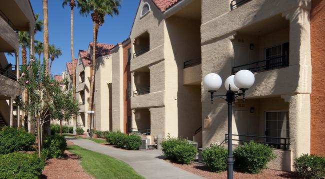 Holiday Inn Club Vacations AT Desert Club Resort - Las Vegas - Building