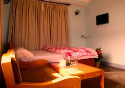 Araniko Village Resort - Bhaktapur - Bedroom