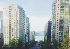 Greenbrier Hotel - Vancouver - Outdoor view