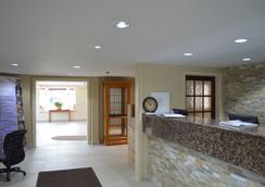 Country Squire Resort - Gananoque - Lobby