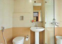 Fabhotel Majestica Inn Hitech City - Hyderabad - Bathroom