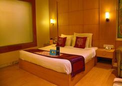 Fabhotel Royal CM Bani Park - Jaipur - Bedroom