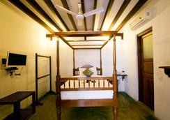 Fabhotel Esparan Pondicherry - Puducherry - Bedroom
