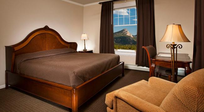 Stanley Hotel - Estes Park - Bedroom