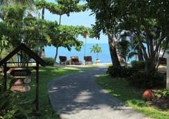 Fair House Villas & Spa - Ko Samui - Beach