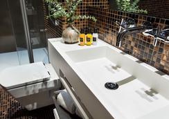 Royal Ramblas - Barcelona - Bathroom