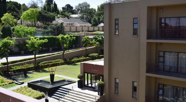 St Andrews Signature Hotel & Spa - Johannesburg - Building