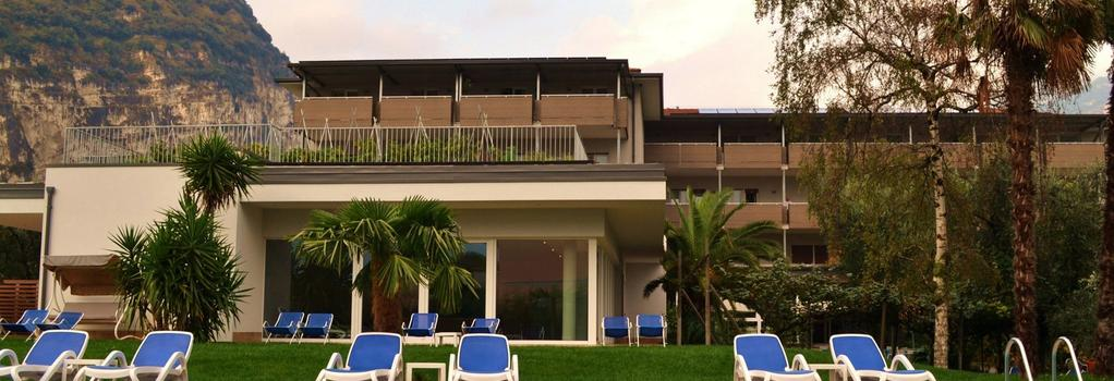 Hotel Villa Franca - Torbole - Building