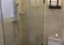 Garni Hotel DUM - Belgrade - Bathroom