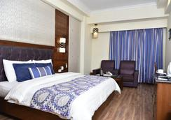 Hotel Shiraz Regency - Amritsar - Bedroom