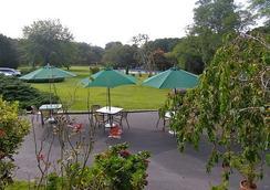 Hamlet Inn - Southampton - Outdoor view