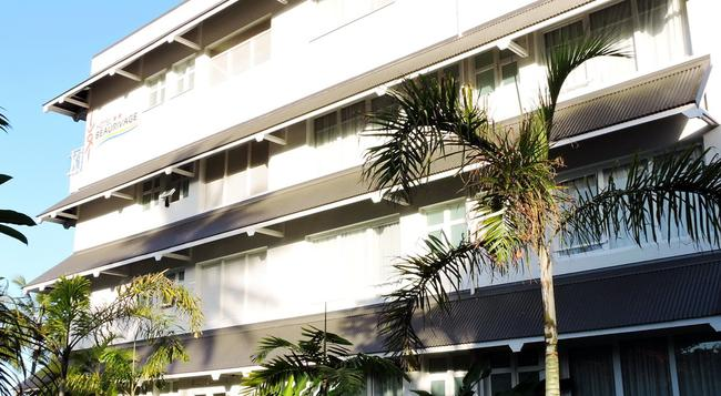 Hotel Beaurivage - Noumea - Building