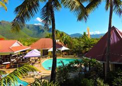 Koniambo - Koné - Pool