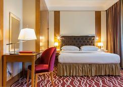 Ramada Plaza Astana - Astana - Bedroom