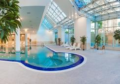 Ramada Plaza Astana - Astana - Pool