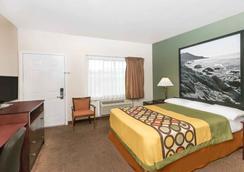 Super 8 Monterey - Monterey - Bedroom