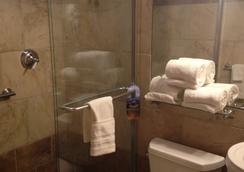 Hyde Park Hotel - Tampa - Bathroom