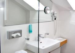Hotel Strandlust Vegesack - Bremen - Bathroom