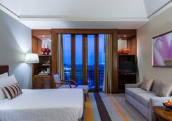 Chatrium Hotel Royal Lake Yangon - Yangon - Bedroom