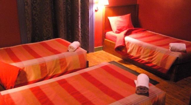 Paris Hostel - Cairo - Bedroom